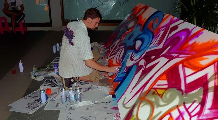Vinni Kiniki live graffiti art photo